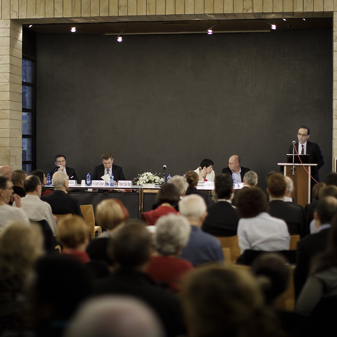 "The panel at the ""Rosenburg Files"" Presentation at Tel Aviv University (from right): Prof. Christoph Safferling, Prof. Manfred Görtemaker, Prof. Dina Porat and Prof. Ron Harris. Speaking: German Federal Minister of Justice and Consumer Protection, Heiko Maas. Photo: Thomas Köhler"
